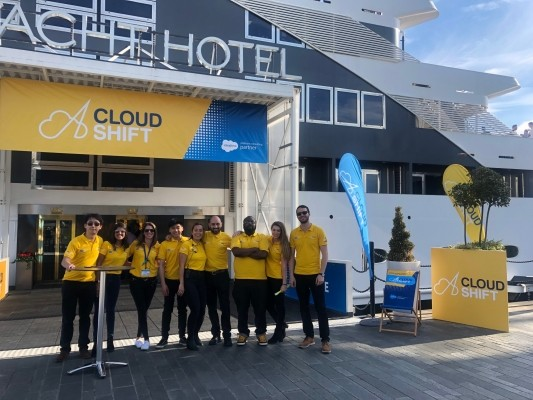 """Cloudshift welcomes yacht event"""